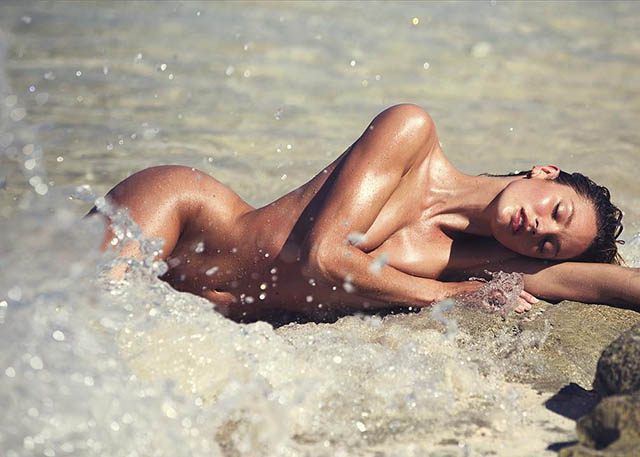 candice swanepoel shooting nue a la plage par david bellemere photoshoot 2015