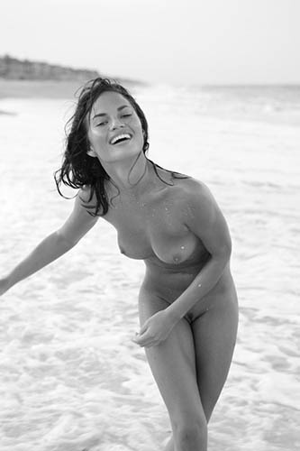 chrissy teigen fully nude beach photoshoot by dorian caster